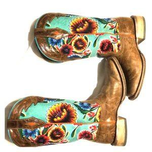Ariat flower boots